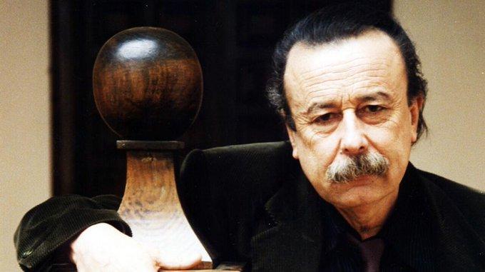 Adiós a Juan Cueto, periodista (sus textos y críticas sobre TV en los 80 siguen siendo clásicos), escritor, guionista (dos Gonzalo Suárez de órdago: LA LOBA Y LA PALOMA y MORBO) y ocasional actor (ASIGNATURA APROBADA, TRUHANES, LOS PARAÍSOS ). Descanse en paz. Foto