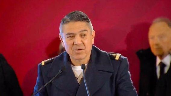 •@GobiernoMX | El general Arturo Velázquez explica que de los 56 mil kilómetros de ductos que tiene el país, 13 mil son considerados como problemáticos y 6 km como críticos. Foto