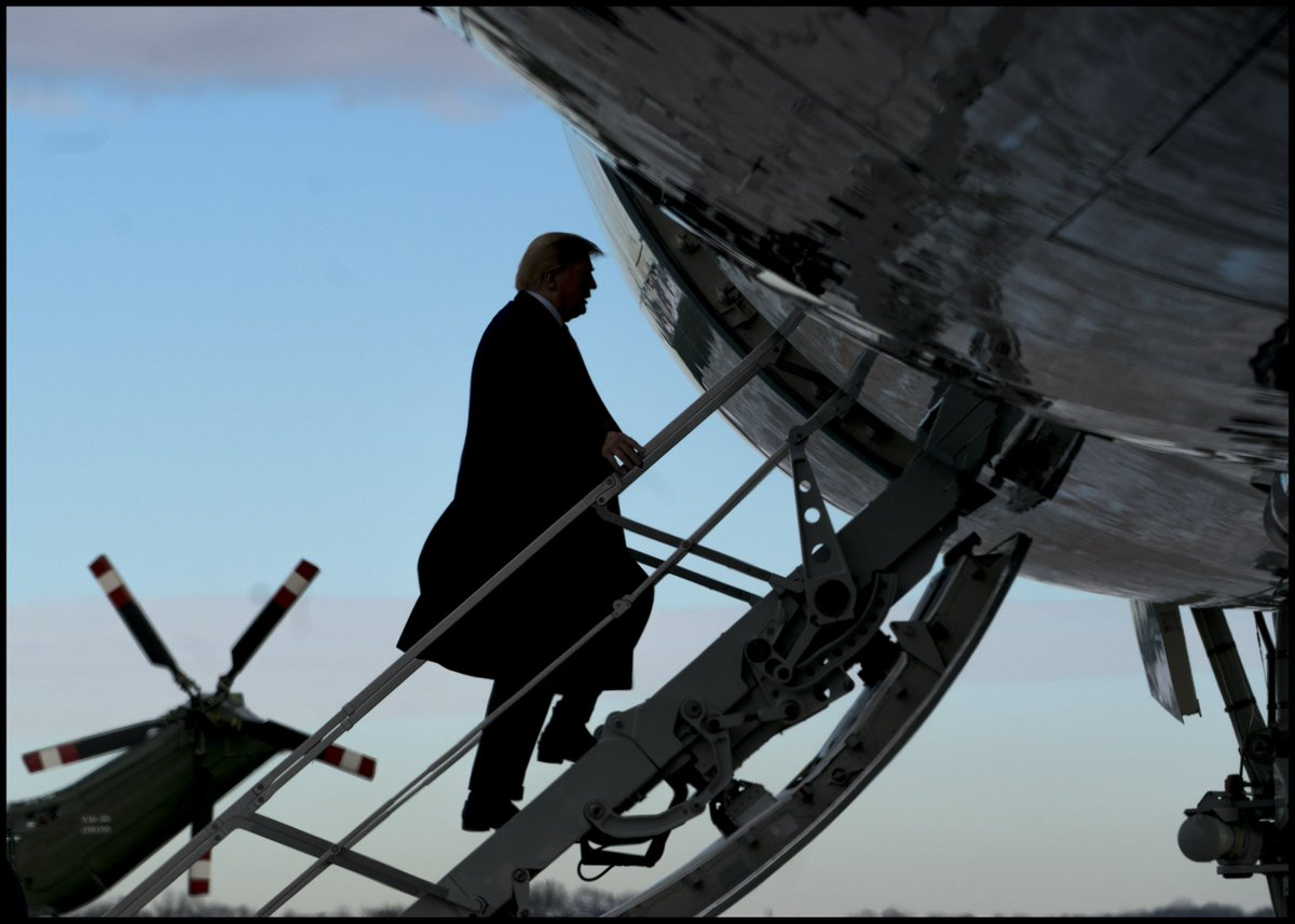 .@realDonaldTrump boards Air Force One at Joint Base Andrews, MD, for a trip to New Orleans.