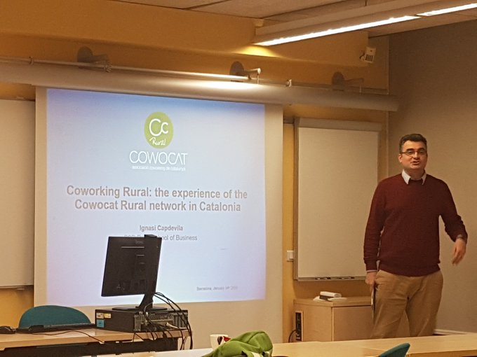 Coworking rural: the experience of the Cowocat rural network in Catalonia by @IgnasiCapdevila The problem is to create communities @collspaces #RGCS2019 Photo