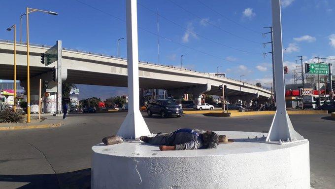 Si alguien busca a @Molina34 se quedó dormido en Cinco Señores Foto