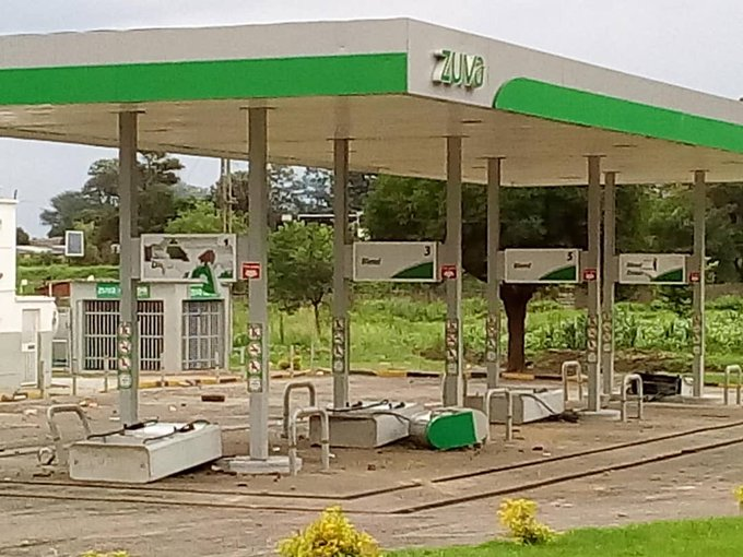 This gas station in #Zimbabwe was sacked to protest The Croc, Pres. Mnangagwa. His incompetence and corruption has sparked the #ShutdownZimbabwe Photo