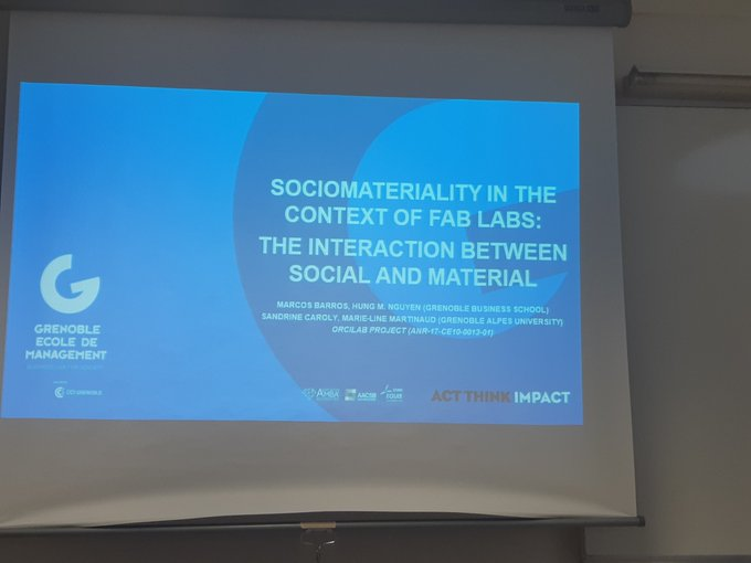 Sociomateriality into the fablabs interaction between machines and users by Hung Nguyen and Marcos Barris #RGCS2019 @collspaces Photo