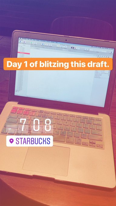day one of draft bootcamp was a roaring success, despite getting a late start! (i was supposed to get started at 6am, lolwut.) Foto