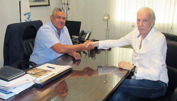 El ex entrenador de @Argentina, César Luis Menotti, será Director de Selecciones Nacionales. Comenzará su función el próximo 1 de febrero. ¡Bienvenido a su Casa, César! Foto
