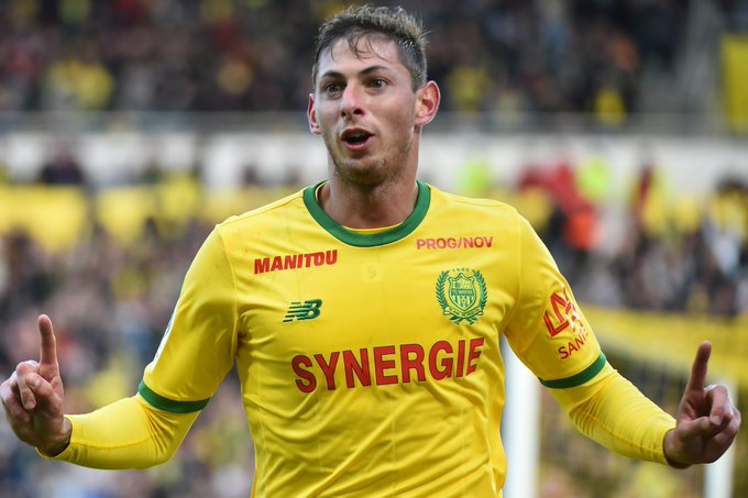 BREAKING: @FCNantes striker Emiliano Sala in South Wales for talks and a possible medical ahead of a potential club-record £20m move to @CardiffCityFC. #SSN Read: Transfer Centre LIVE! #TransferCentre Photo