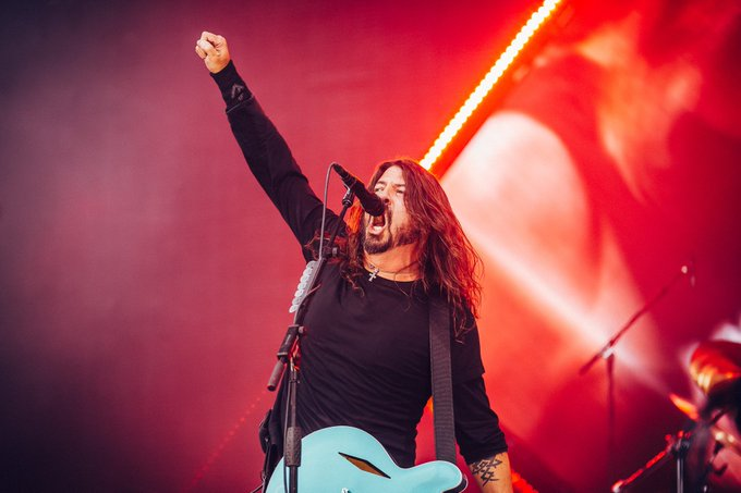 CELEBRATE// 🎉 Happy 50th Birthday to #DaveGrohl! Thanks for some pretty EPIC shows over the years. 🤘 Foto