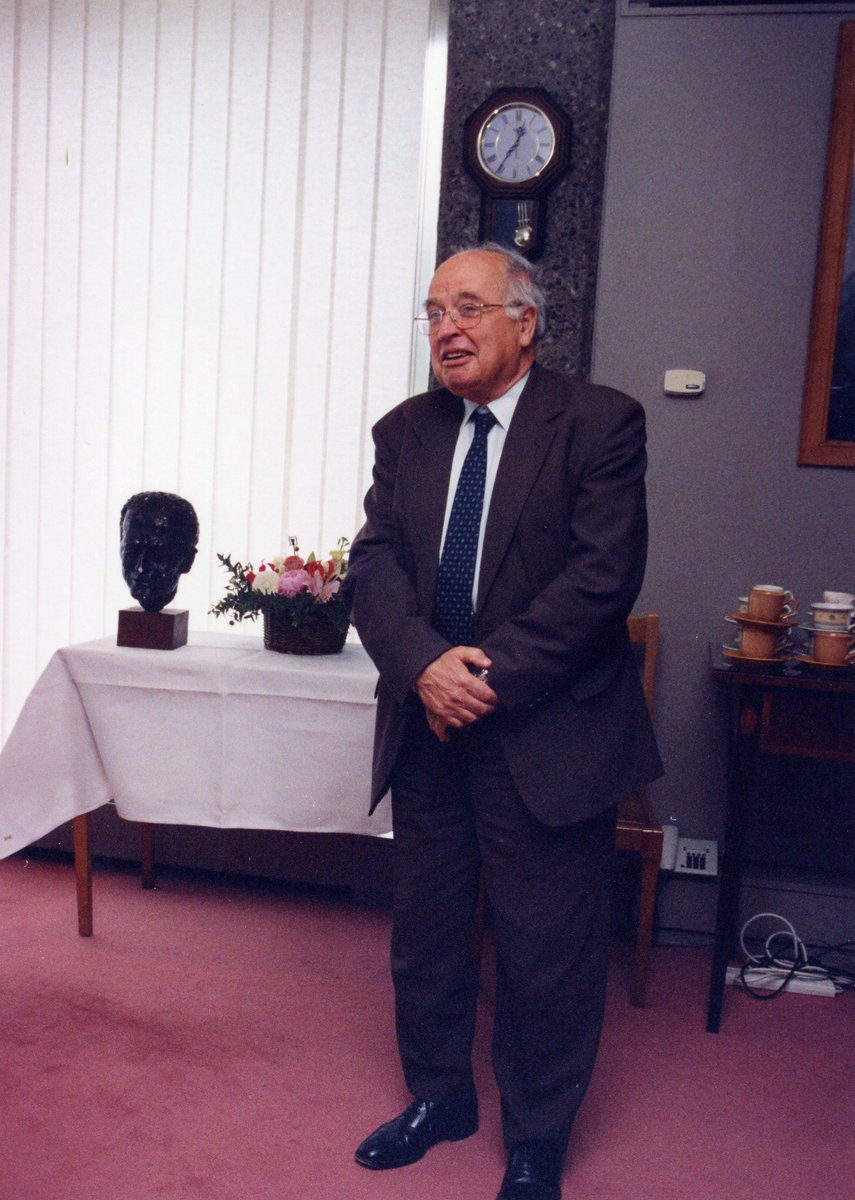 test Twitter Media - We were sad to hear of the passing of Sir Michael Atiyah last week, aged 89. Atiyah was a great former chair of the board of our School of Theoretical Physics here at DIAS from 2000-2005. Ar dheis Dé go raibh a anam dílis. (Below, pictured in DIAS's Conference Room) @StpDias https://t.co/f9qu93dkh9