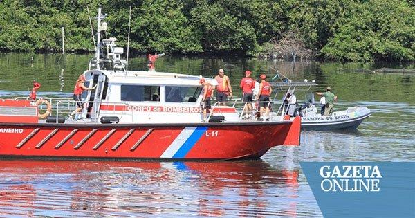 Policial morre após pouso forçado de helicóptero da PM na Baía de Guanabara. Segundo a PMERJ, o sargento Felipe Marques de Queiroz, 37 anos, ficou muito tempo submerso na água e não resistiu ➡️ Foto