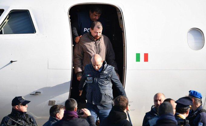 Governo italiano decide mandar Battisti para prisão na Sardenha. Foto