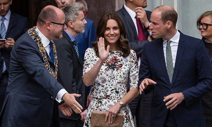 Polish mayor who welcomed Prince William and Kate to Gdansk in 2017 is tragically killed at charity event: Foto