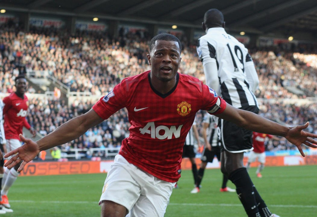 WE LOVE THIS GAME 🤩  @Evra #MUFC