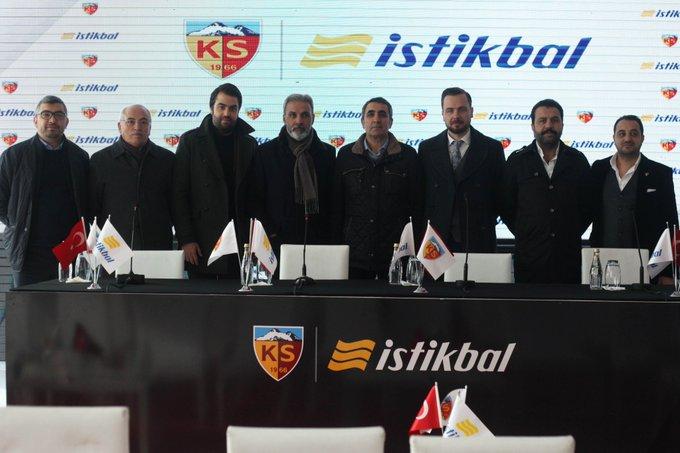 Kayserispor ile İstikbal Mobilya arasında sponsorluk anlaşması yapıldı. Fotoğraf