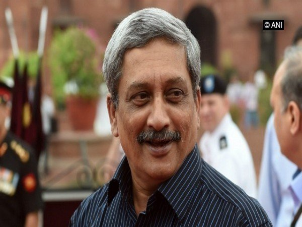 Parrikar lays foundation stone for school complex in Cujira Photo