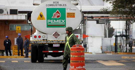 Agregaremos seguridad a otros 5 ductos para evitar el robo de combustible: El general Arturo Velázquez Foto