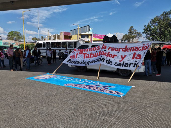 Steuabjo bloquea av. Universidad y Cincoseñores. Foto