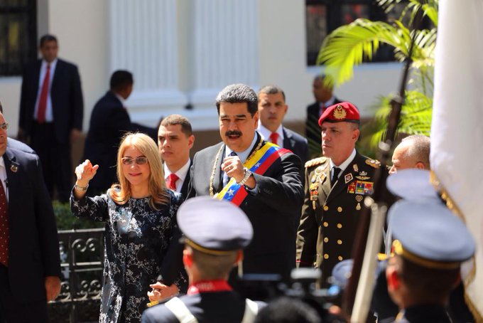 🔴   Pdte. @NicolasMaduro : Hoy en nombre de la Divina Pastora pido las bendiciones para mí y para el pueblo de Venezuela 9⃣8⃣. 5⃣ FM #MaduroMemoriaYCuentaANC Photo