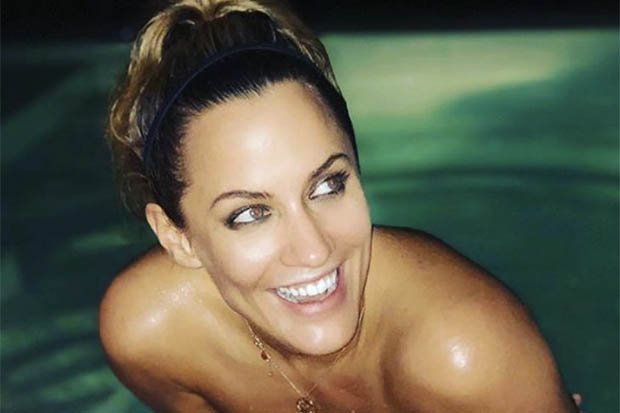 Caroline Flack teases fans with topless reveal #CarolineFlack #LoveIsland https://t.co/OlfO7UZFuI