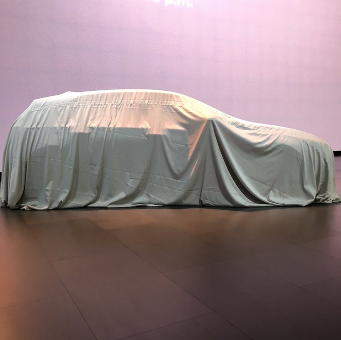 We're at #NAIAS2019 to unveil some exciting new performance cars! But first, just as Detroit is re-imagining the future of auto shows, we're re-imagining how people buy our cars Foto