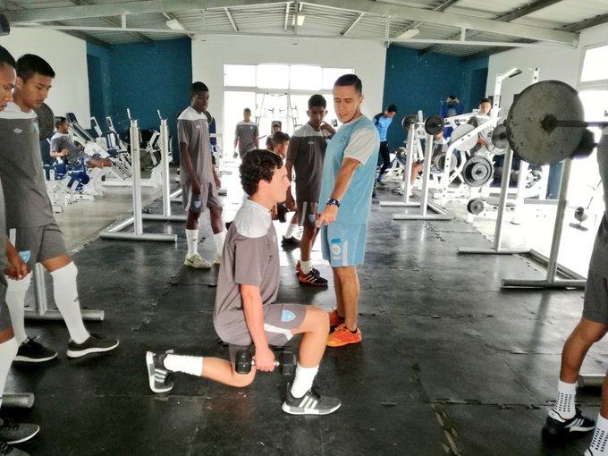 FE / Selecciones Nacionales Selección Sub 17 inicia su entrenamiento con trabajos de fuerza en el Gimnasio del Proyecto Goal. FE EN LAS ACCIONES Foto