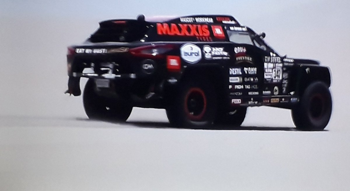 What a picture #beast347 in the dunes @TimCoronel @TomCoronel #dakar2019<br>http://pic.twitter.com/84q9ooFVXO