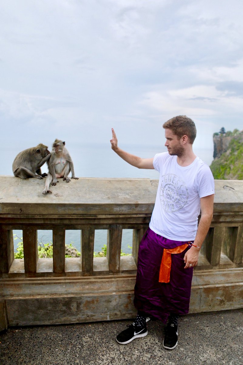When they leave you hanging from the high five 🖐🐒 @brianlogandales #DestinationGUESS #GUESSIsland #UluwataTemple