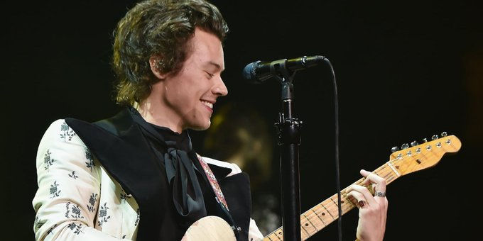 """We know that the Venn diagram between the worlds of """"Classic Rock"""" and """"One Direction"""" may seem like it's just two separate circles, but there is one person keeping both together: @Harry_Styles. #MusicMonday Photo"""