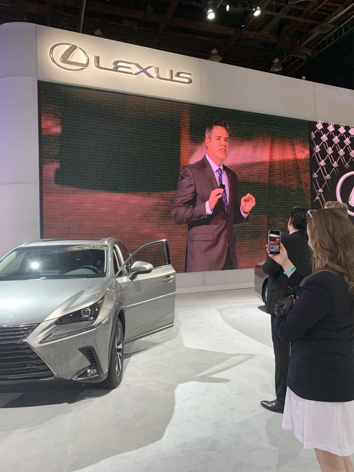 Dave Christ, Group VP and general manager of @Lexus, tunes into #NAIAS2019 to deliver exciting news for the brand in 2019. Foto
