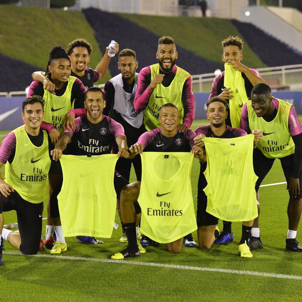 Winning team 💛✔️.  • • •  PS: Par contre je sais pas ce que tu fais là hein @marquinhos_m5 🤔