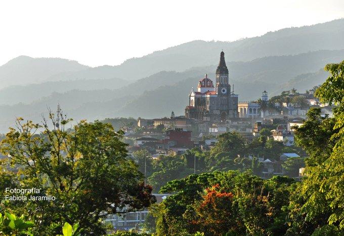 #LaBuenaVidaEs Disfrutar de estas vistas en la Sierra Norte del estado #ViajaPorPuebla y conoce Cuetzalan, Pueblo Mágico. Foto