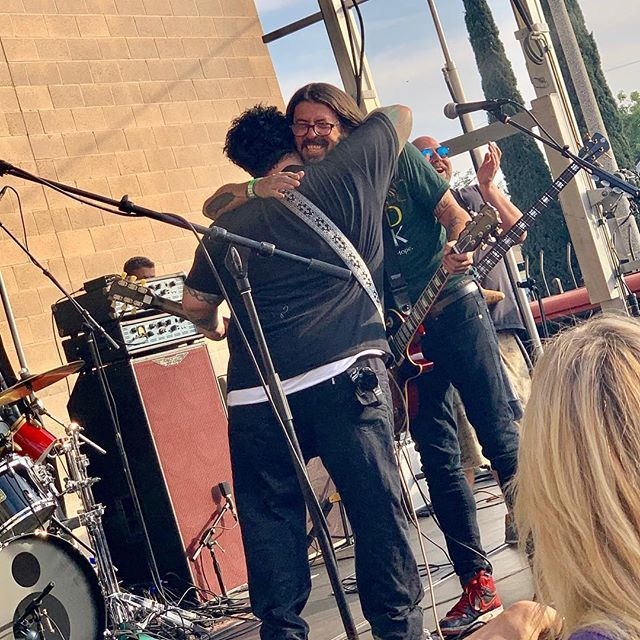 Happy Birthday to one of the greatest humans I know!!! #davegrohl @backbeatbbq the big 5-0!!! Foto