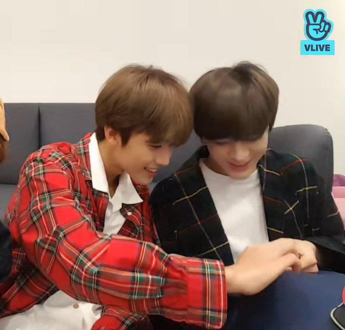 Nomin have magnets in their attraction is too strong ภาพถ่าย
