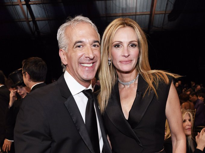 So great seeing my friend #JuliaRoberts at the CRITICS CHOICE AWARDS!! Between HOMECOMING and BEN IS BACK, she did great work on both the small screen and the big screen in 2018! #CriticsChoiceAwards Foto