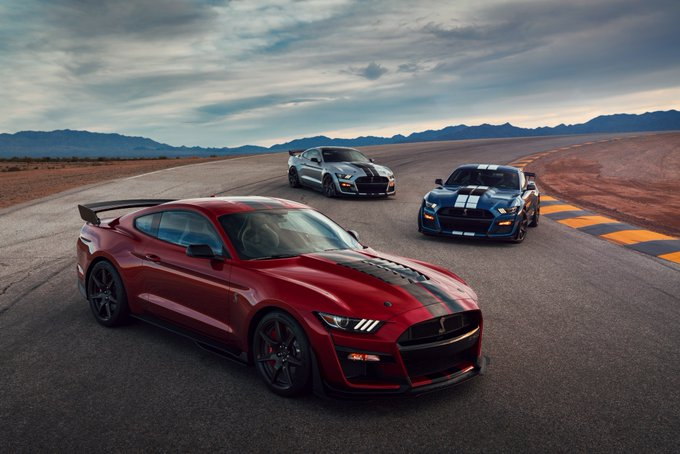 Ford Shelby GT500 Revealed and it is the most powerful ford car in history #Ford #ShelbyGT500 Foto