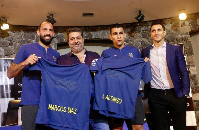 Marcos Díaz y Junior Alonso fueron presentados en conferencia de prensa como nuevos jugadores de Boca. #ElQueEstáContentoEsAlonso #UnaSonrisaTirame 📷@BocaJrsOficial Foto