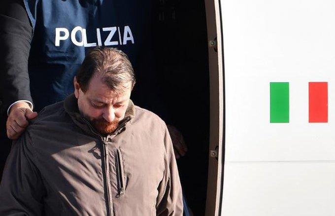 Por questões de segurança, Battisti é levado para presídio de Oristano Foto