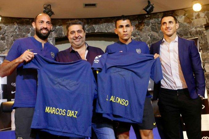 #Boca | Se realizó la presentación oficial de Marcos Díaz y Junior Alonso, dos de los cuatro refuerzos de la pretemporada ⚽➡ Foto