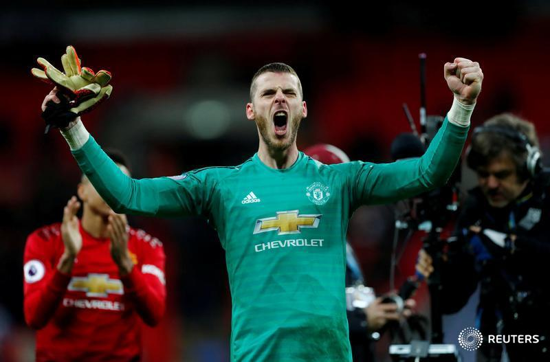 David De Gea pulled off series of saves to help deliver Ole Gunnar Solskjaer's sixth straight win and Liverpool worked hard for their win at Brighton & Hove Albion. We outline the weekend highlights from the Premier League https://reut.rs/2Fxajba