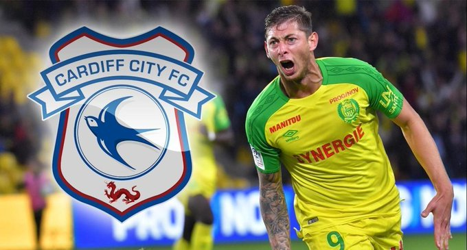 Emiliano Sala flying in to seal £20m Cardiff switch Photo