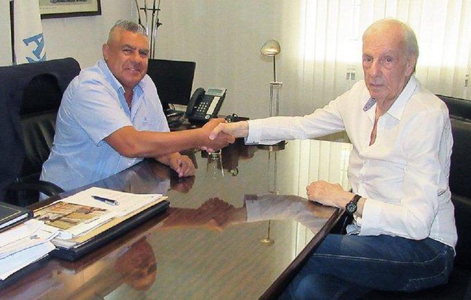 Hace 6 meses: Menotti criticaba ferozmente a los dirigentes de AFA. Hoy: Menotti es el nuevo director de selecciones nacionales ¯\_(ツ)_/¯ Foto