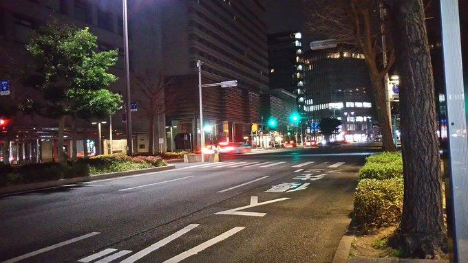 博多駅着。まだ夜明け前。 新しいバスターミナルから、博多駅前のバス停と一個先のとこと、どっちが近いんかな…試しに歩いてみたが Foto