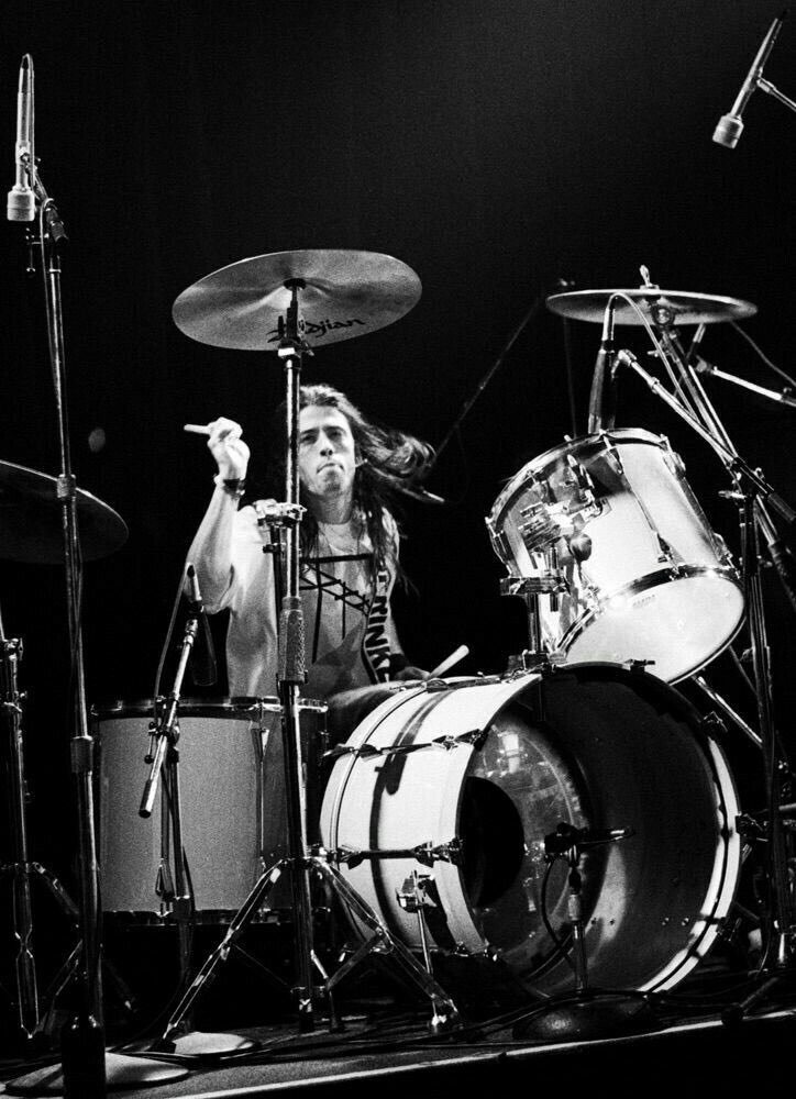 Happy 50th birthday to Dave Grohl - the man who made me want to b a drummer and continues to inspire me every day