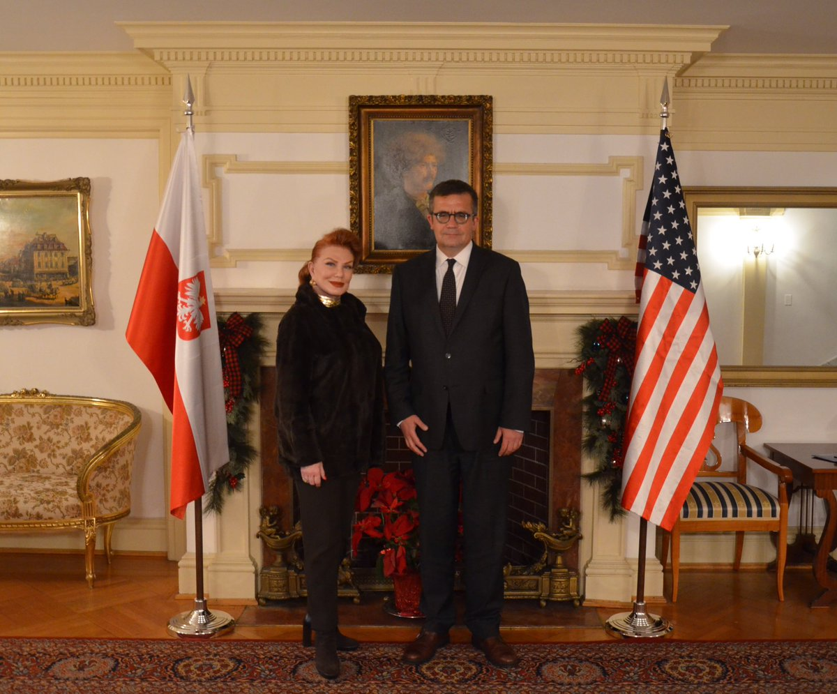 Today I met with Ambassador Mosbacher @USAmbPoland. Very fruitful meeting: we discussed bilateral PL-US issues, including strengthening security & energy ties, Poland's inclusion in the Visa Waiver Program as well as the centennial of 🇵🇱🇺🇸 relations. #PLUS100Together