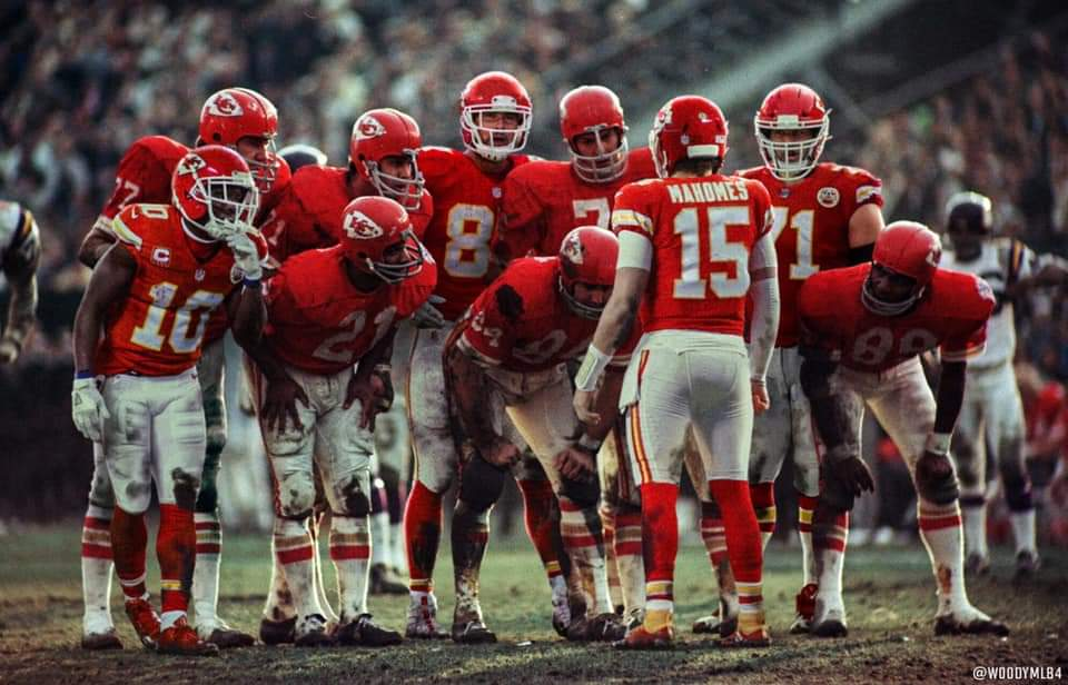 RT @sweetdyoung: GOD BLESS THIS TEAM! ❤🏈💛 #CHIEFSKINGDOM #LetsRoll https://t.co/TATJSIeOct