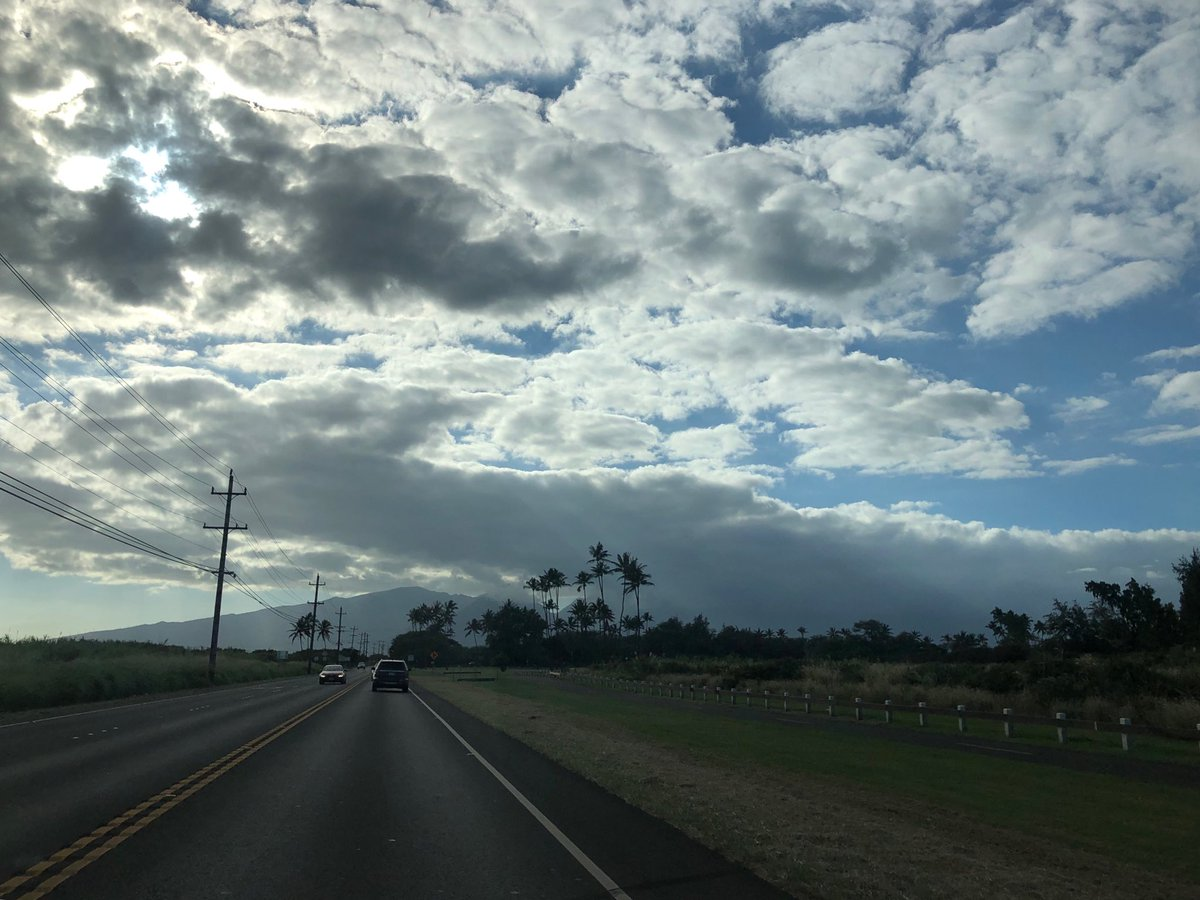 test Twitter Media - Partly cloudy skies traveling west from Paia town. #cmweather #maui #paia https://t.co/1rdwD1t676