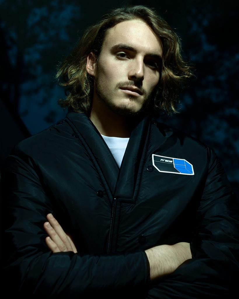 RT @StefTsitsipas: I don't know why but I feel like Diego Luna from Narcos on this one. https://t.co/2ubhbHRjvF