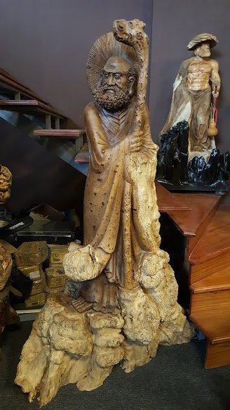 Tượng Đạt Ma Quá Hải bằng gỗ Nu Hương là biểu tượng cho sự ý chí kiên định vững vàng