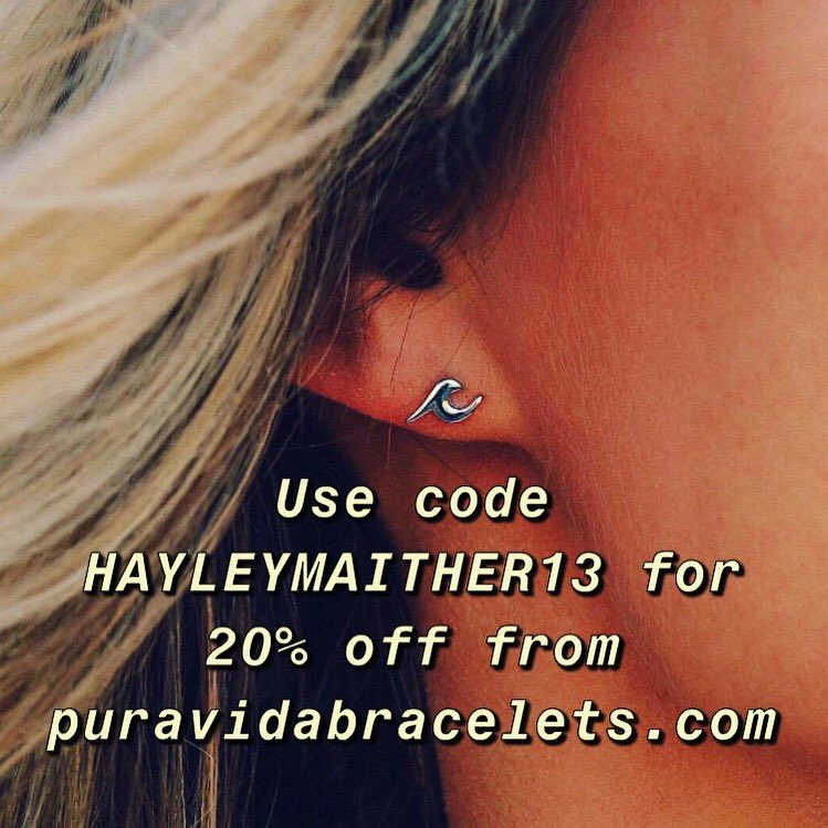 The Wave Stud Earrings from @puravidabrac are PERFECT for any beach lover! Use the code HAYLEYMAITHER13 for 20% off your entire http://puravidabracelets.com purchase! (Comes in silver and gold!)  #puravidabracelets #puravida #bracelets #jewelry #adventure #live #life #shopping #shop