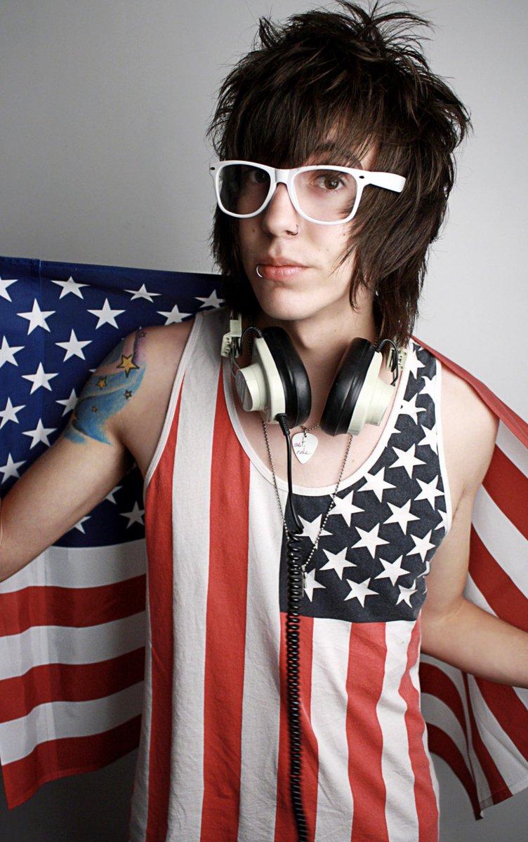 RT @ItsBobbyMares: #2009vs2019 I like America. https://t.co/zp1NQX6CGO
