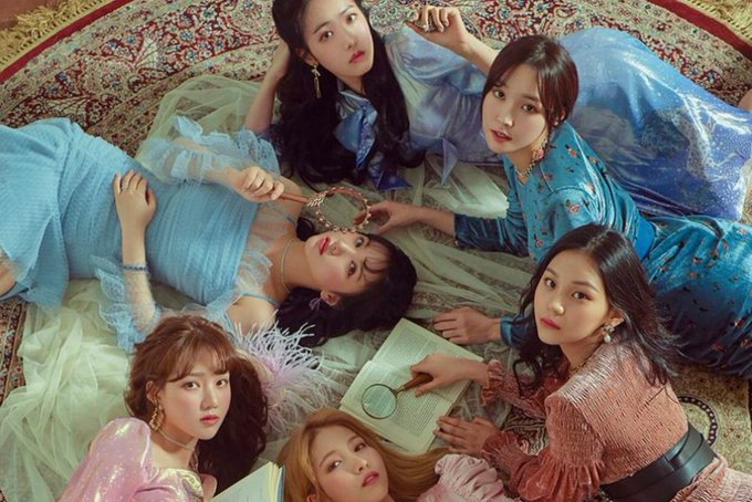 #GFRIEND Tops iTunes Charts Around The World With Time For Us And Sunrise ภาพถ่าย